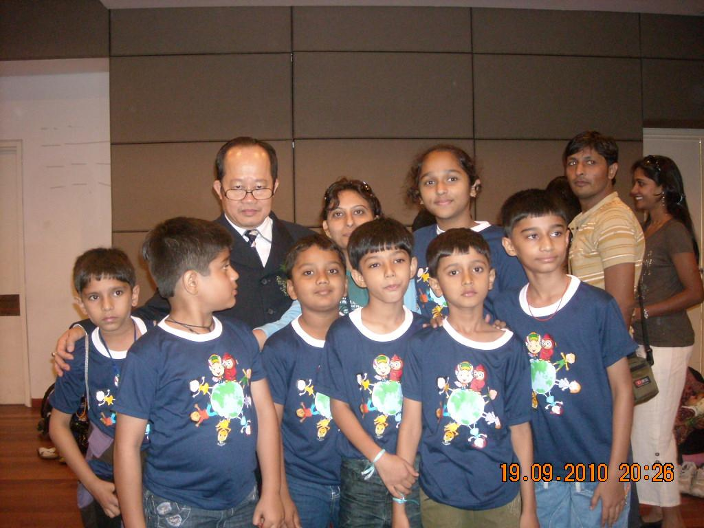 Kids with Komal and Prof Dr Dino Wong